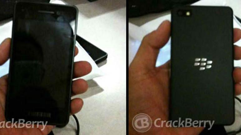 Blackberry'den dokunmatik telefon geliyor!