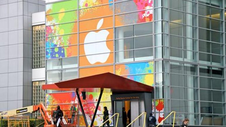 'iPhone 5S' ve 'iPhone 5C' göründü!
