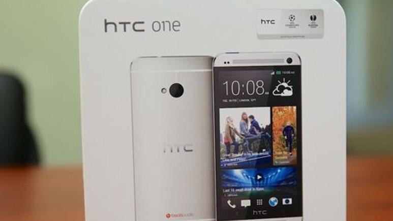 HTC One Max'ta kamera için parmak izi sensörü