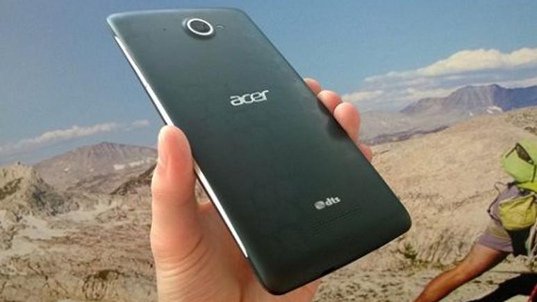 Acer'dan Snapdragon 800 işlemcili telefon geliyor