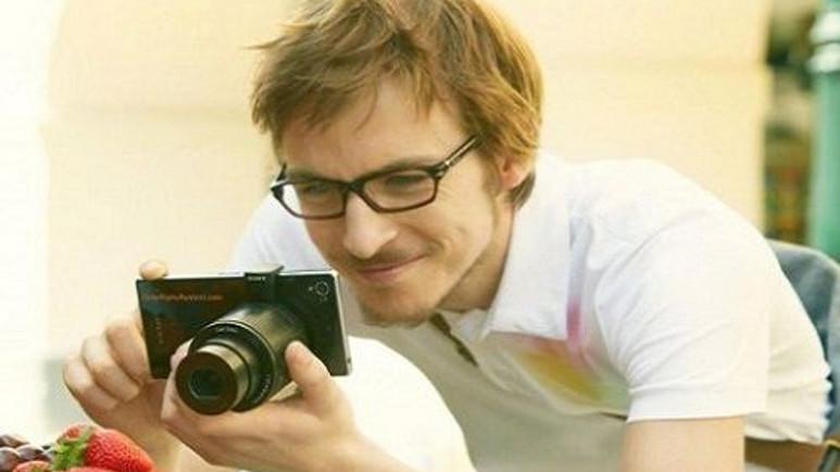 Sony Smart Shot Lens'lere yeni renk seçeneği ekleniyor