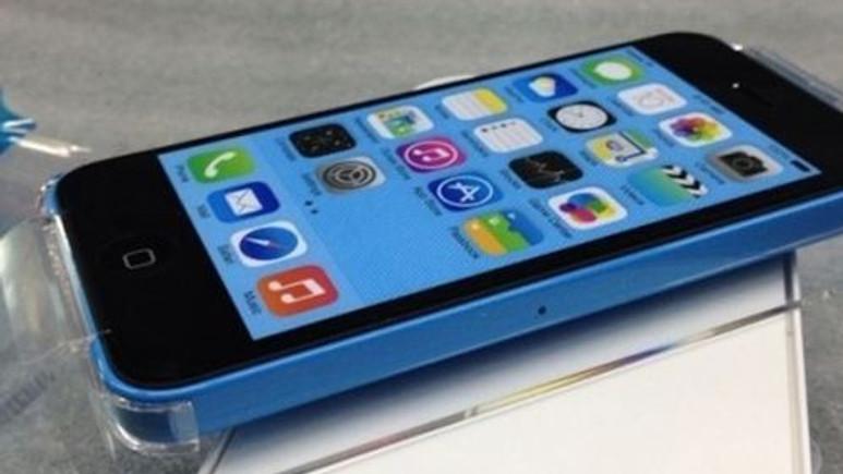 Yeni Apple iPhone 5C TV reklamı