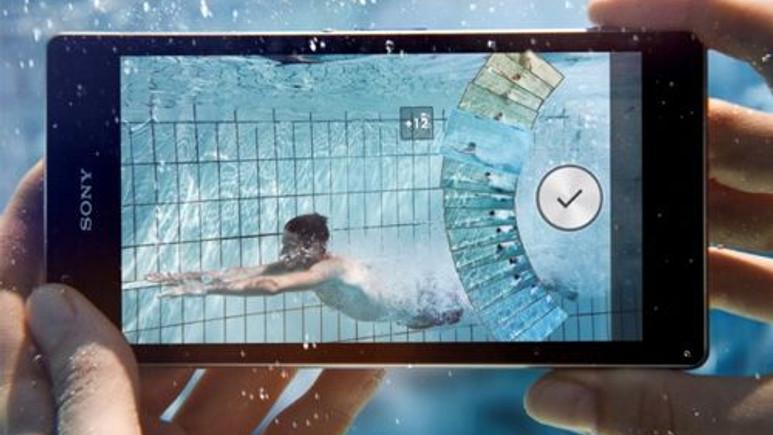 Sony Xperia Z1 ekran çizilme testi! Video