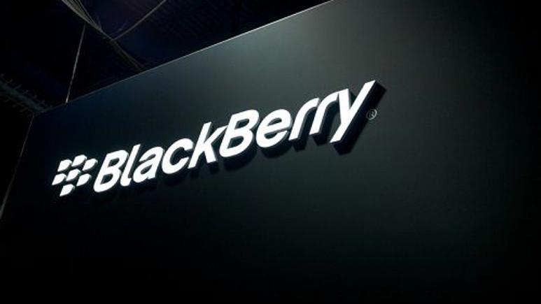 BlackBerry'de çöküş devam ediyor!