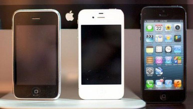 Apple iPhone 5S mavi ekran verdi