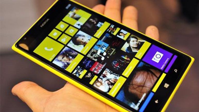 İşte Nokia Lumia 1520'nin muhteşem ekranı!