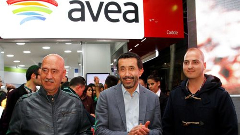İşte Türkiye'nin ilk iPhone 5S ve 5C satışı!