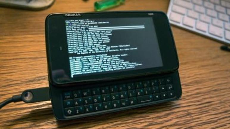 iOS, Nokia N900'de çalıştı!