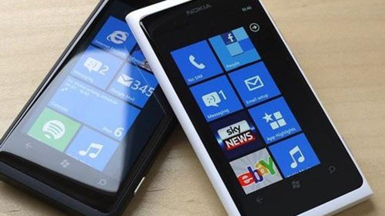 Nokia Lumia 929'un beyazı görüntülendi