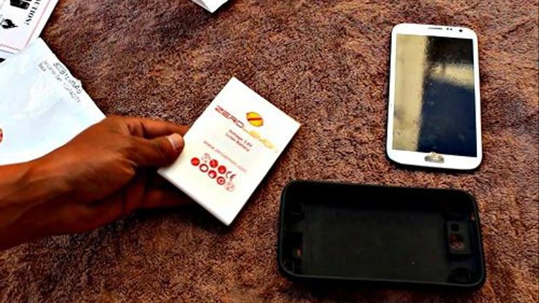 Galaxy Note 3'e 10.000 mAh'lik şarjlı kılıf geldi!