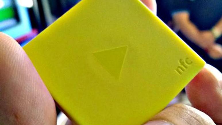 Nokia'dan iPod Shuffle'vari akıllı bir MP3 çalar geldi!