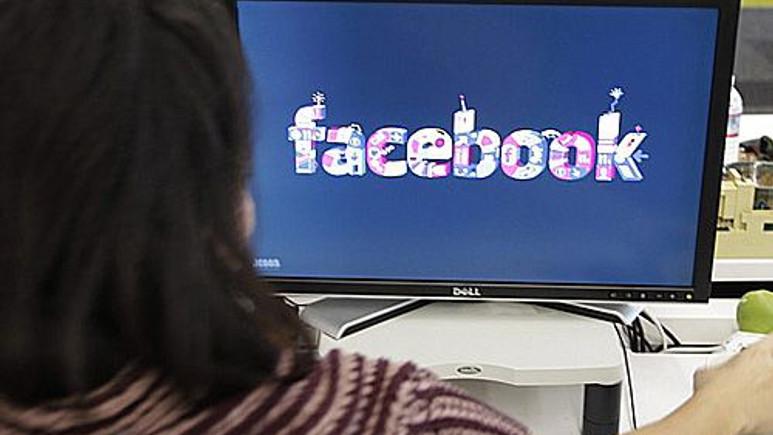 Başkasının Facebook hesabına girene hapis cezası geliyor!