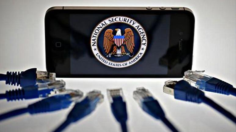 Cebinizdeki iPhone'lara casus yazılım mı yüklendi?