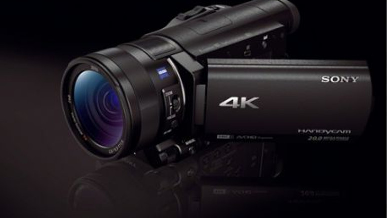 Sony, süper kamerası 4K Handycam AX100E'yi tanıttı