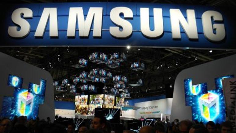 Metal kasa ve dahili projektörlü Samsung SM-G3858 görüntülendi