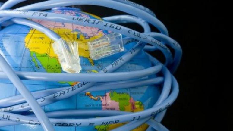 Günün Sorusu: İnternetin kütle ağırlığı var mı? Varsa da ne kadar ?