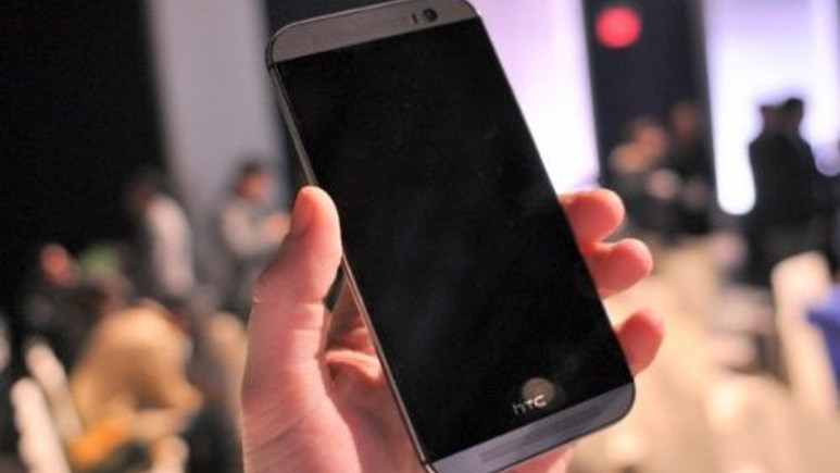 HTC M8'e uygulanan iki zorlu test! Peki sonuç ne? (Video)