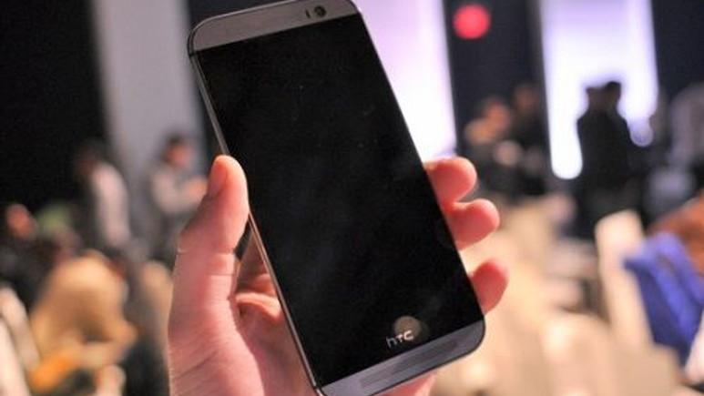HTC One M8'in Google Play sürümü tanıtıldı
