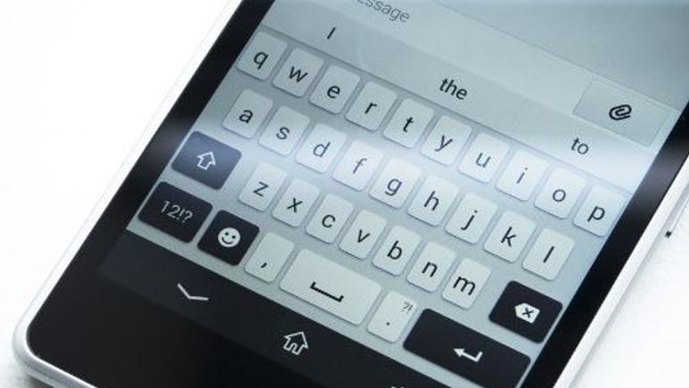 Sony'nin 'Xperia Keyboard' klavye uygulaması Google Play'de yerini aldı!