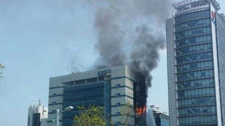 Samsung'un veri merkezi yandı! (Video)