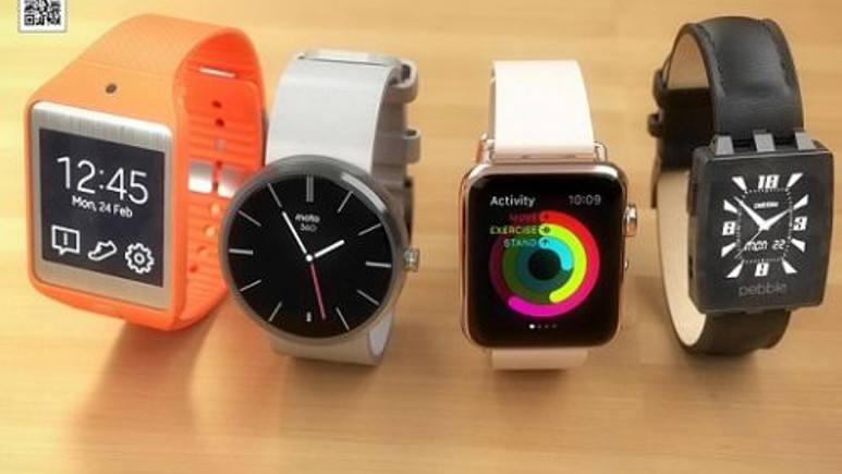 Apple Watch; Moto 360, Pebble ve Gear Neo 2 akıllı saatlerle yan yana