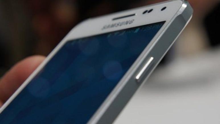 Samsung Galaxy A7 5.5-inç ekrana sahip olacak