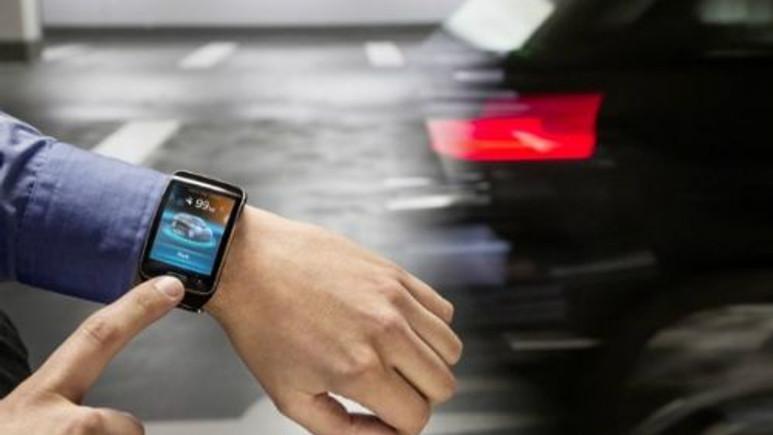 BMW arabalar akıllı saat ile kendi kendine park edecek