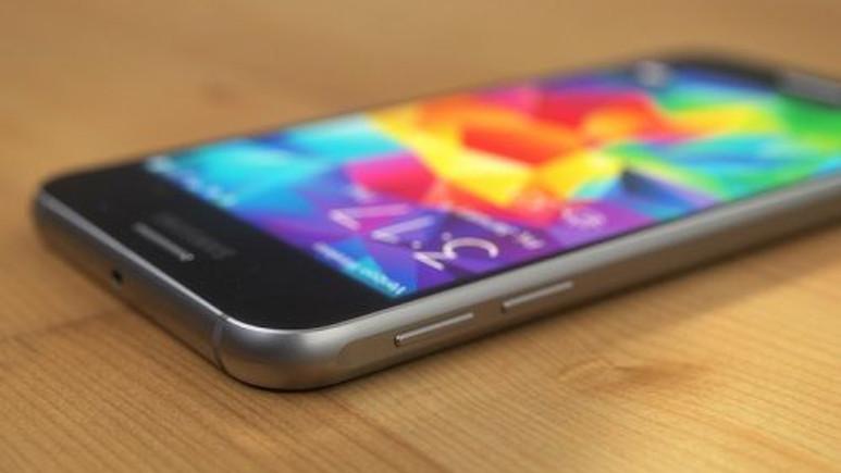 En iyi Galaxy S6 derlemesi (3D render çalışması)