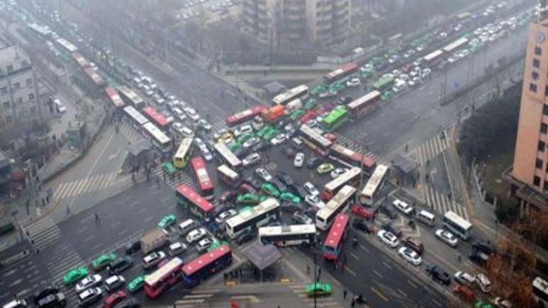 Akıllı ışıklar trafik sorununa çözüm olacak mı?