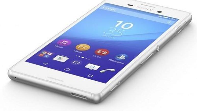 Sony'nin suya dayanıklı orta düzey telefonu Xperia M4 Aqua'nın Türkiye fiyatı
