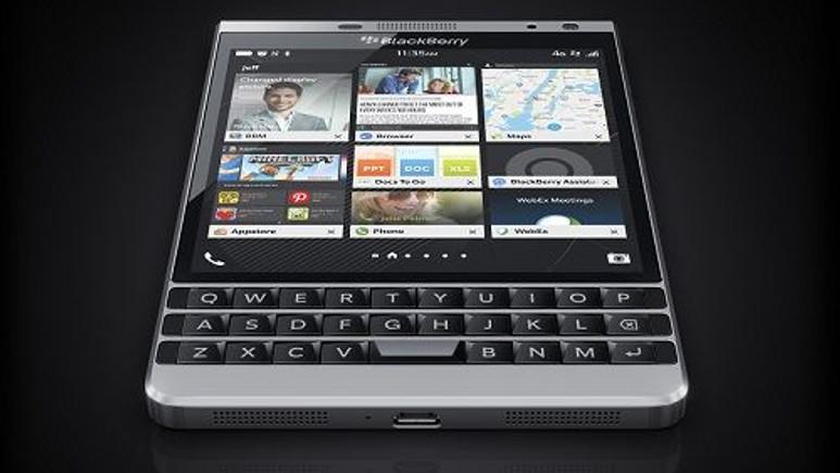 BlackBerry Passport paslanmaz çelik çerçeveye büründü