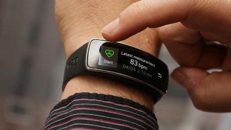 Samsung'dan uygun fiyatlı akıllı bileklik geliyor