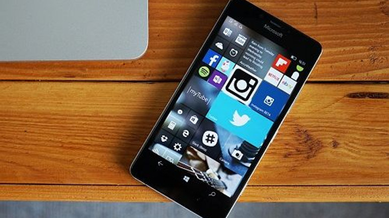 Windows 10 Mobile güncellemesi başladı