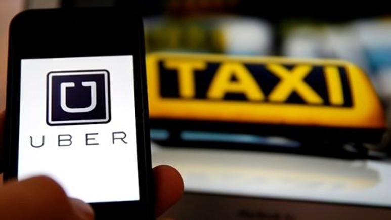 Taksiciler Uber'i protesto etti