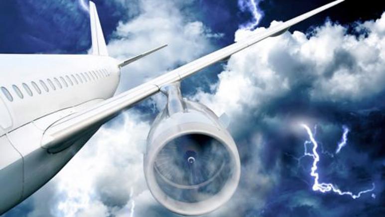 Bir uçağın kara kutusunda aslında ne var? (Video)