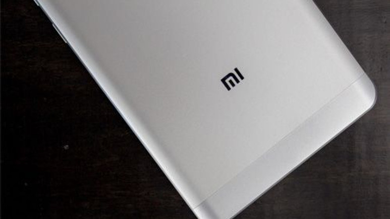 6GB RAM , Snapdragon 821, 3700 mAh pil: Xiaomi Phone Pro