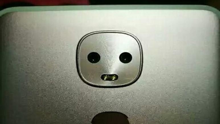 Samsung imzalı kamerası gülen telefon!