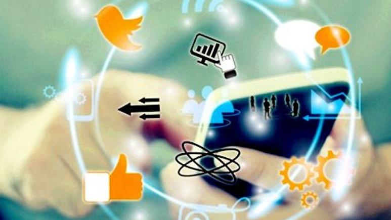 Sosyal medya paylaşımlarının yüzde 8'i darbe yanlısı