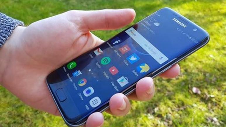 Samsung TV alana Galaxy S7 edge hediye!