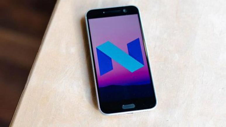 Şimdi de HTC 10 patladı