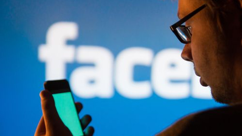 Her ay iki milyar kişi Facebook'ta