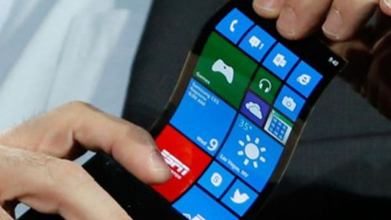 Microsoft'tan katlanabilen ikisi birarada telefon gelebilir