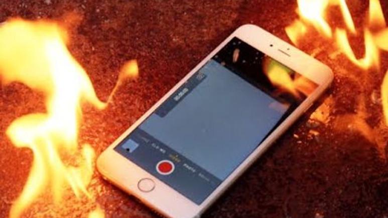 iPhone 6 Plus patladı! Apple değişim içim ücret istedi!