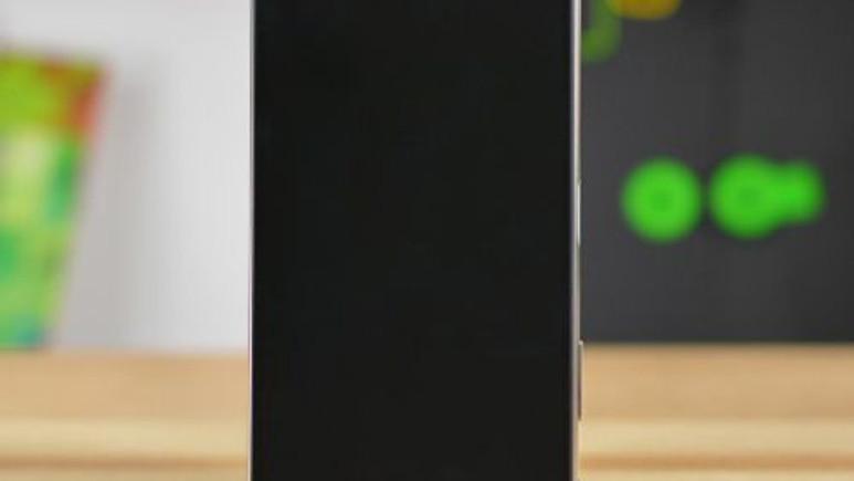 Xperia Z5 Premium'un 4K ekranlı halefi geliyor!