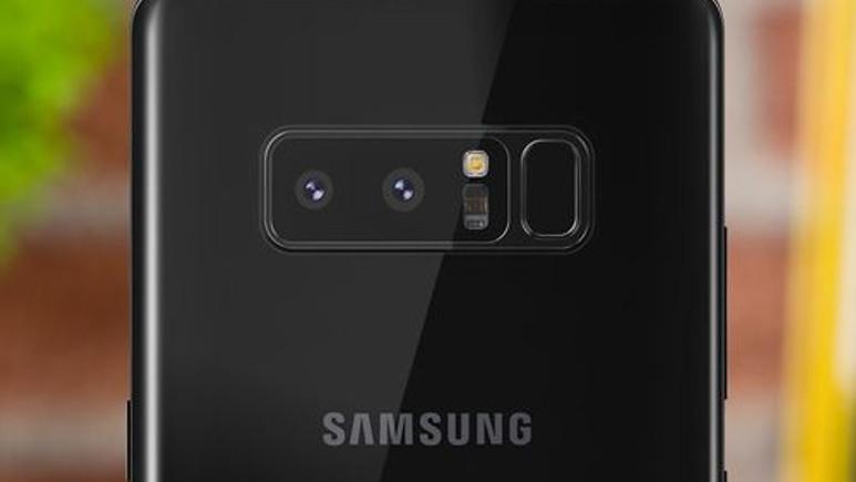 Galaxy Note 8, saydam bir kılıf ile geliyor