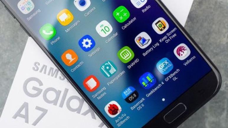 Galaxy A7 (2017) için Android Nougat güncellemesi çıktı
