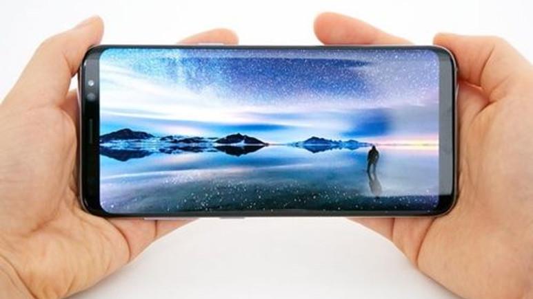 Galaxy A5 ve A7 (2018) sonsuz ekran ile geliyor!