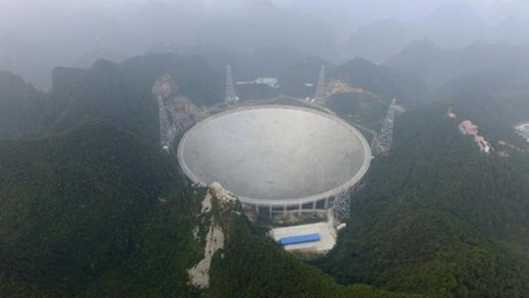 Çin'in dev teleskobu 2 yıldız keşfetti!