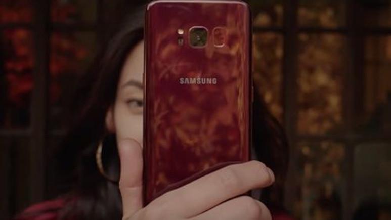 Kırmızı Galaxy S8 duyuruldu!