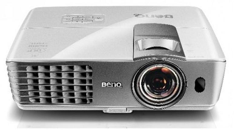 BenQ W1080ST projeksiyon cihazı ile Full HD 3D görüntü keyfi